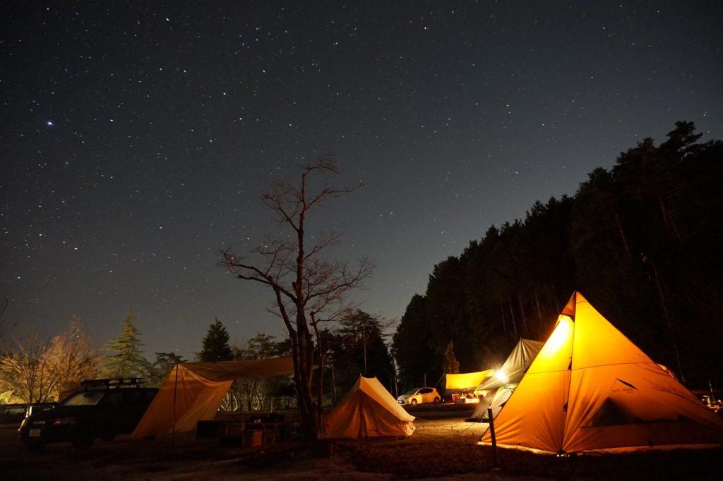 飯地高原自然テント村_サーカスTC waq LEDランタン 星空 ミラーレス